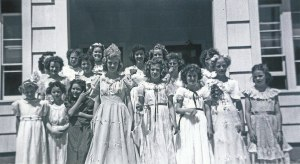 May Day 1948 Dorena School  Dorena Oregon My mom, Nan Elizabeth Roe Cross, is standing to the right of the May Day Queen